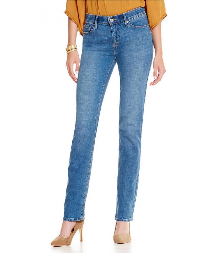 Straight Leg Jeans Cocok Dipadukan Ke Acara Apapun